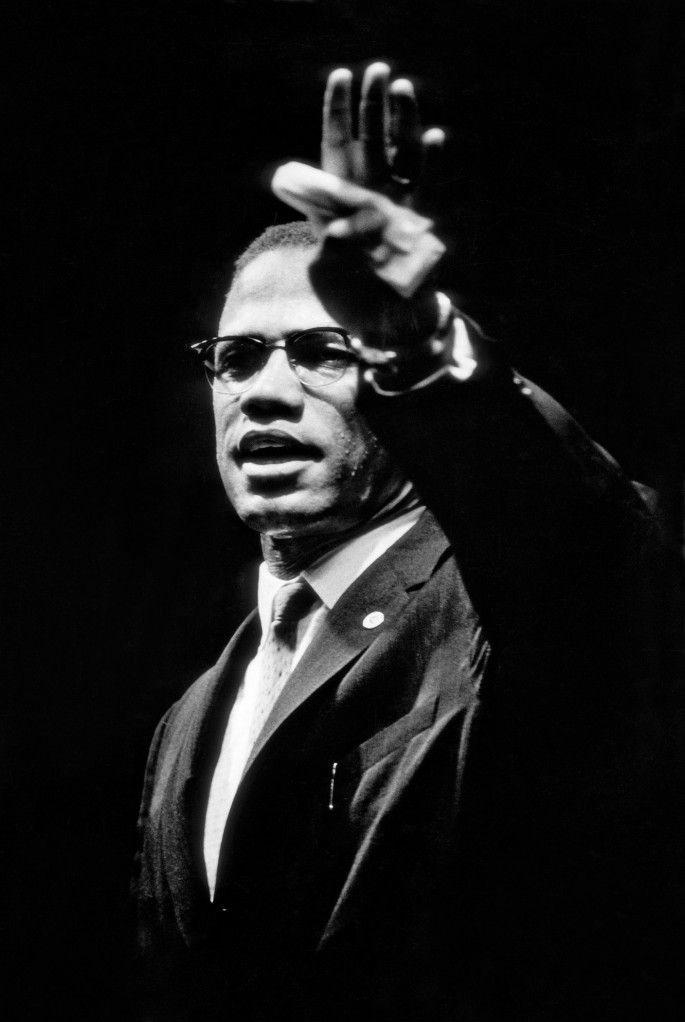 Gordon Parks, </span><span><em>Malcolm X at Rally, Chicago, Illinois</em>, </span><span>1963 Copyright The Gordon Parks Foundation. Courtesy The Gordon Parks Foundation.