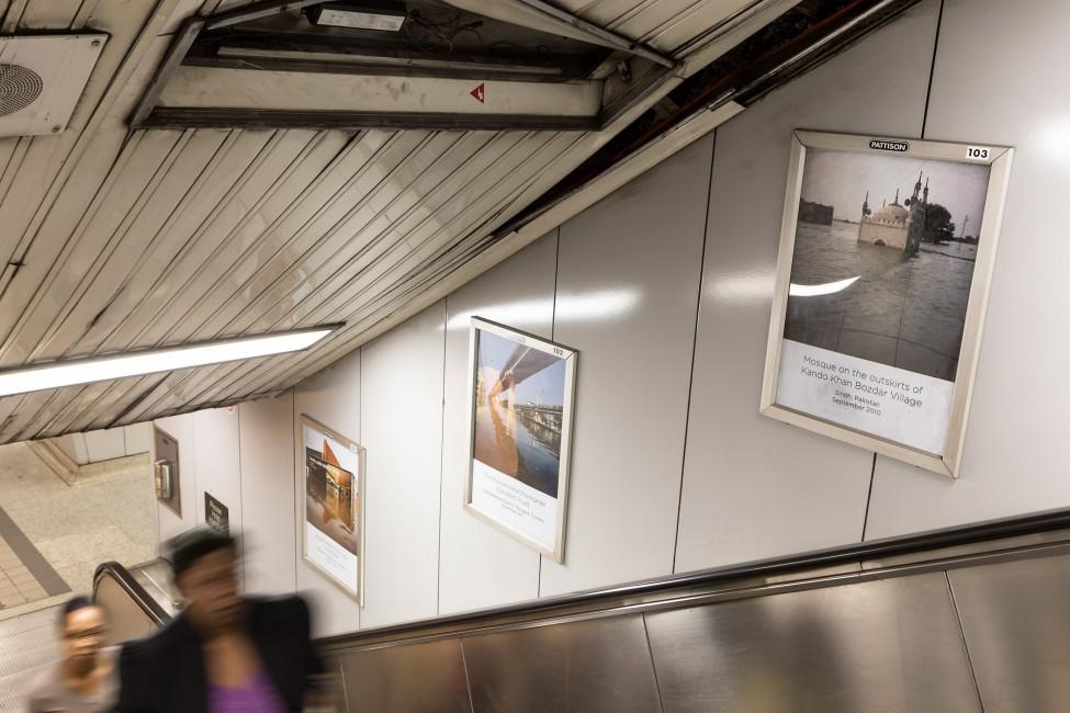 Drowning World, </span><span><em>Installation view of Gideon Mendel</em>, </span><span> Photo: Toni Hafkenscheid