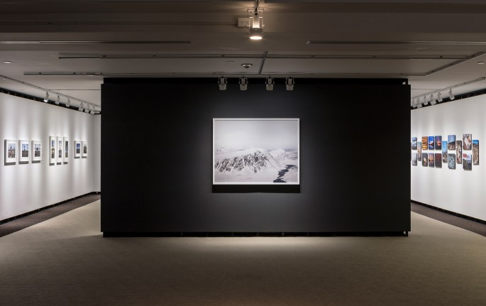 Installation view, </span><span><em>Arctic Exposure: Photographs of Canada's North</em>, </span><span>Norman Hallendy, Donovan Wylie, Jimmy Manning Photo © Toni Hafkenscheid