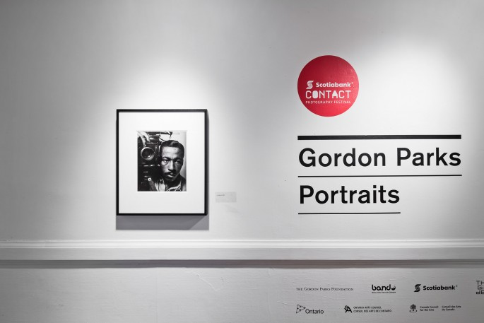 Installation view of, </span><span><em>Gordon Parks: Portraits</em>, </span><span> © Toni Hafkenscheid