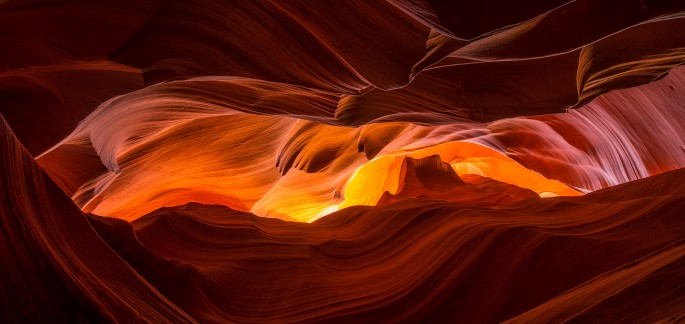 Mark Brodkin, </span><span><em>Glowing Canyon</em>, </span><span>2014