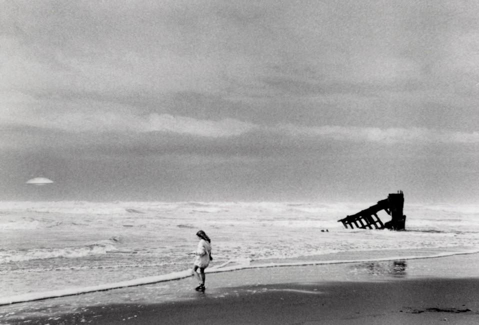 Meaghan Robidas, </span><span><em>I Want to Believe - Oregon Coast</em>, </span><span>2014