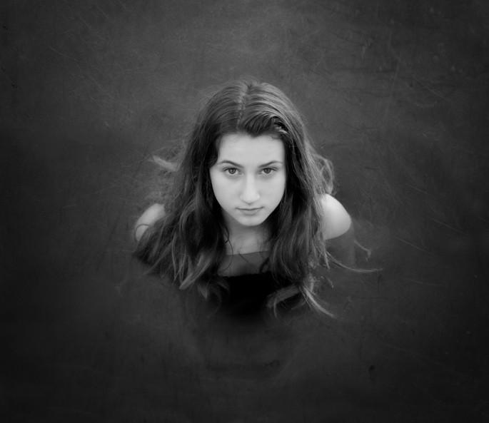 Lora Moore-Kakaletris, </span><span><em>Lianna</em>, </span><span>2014