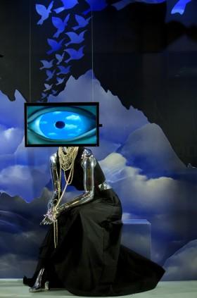 Jude Marion , </span><span><em>False Manni: an homage to Reme Magritte's</em>, </span><span>2014