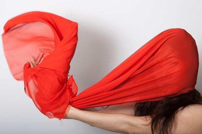 Jihee Min, </span><span><em>Red 02: A Study of Colour Triad</em>, </span><span>2014