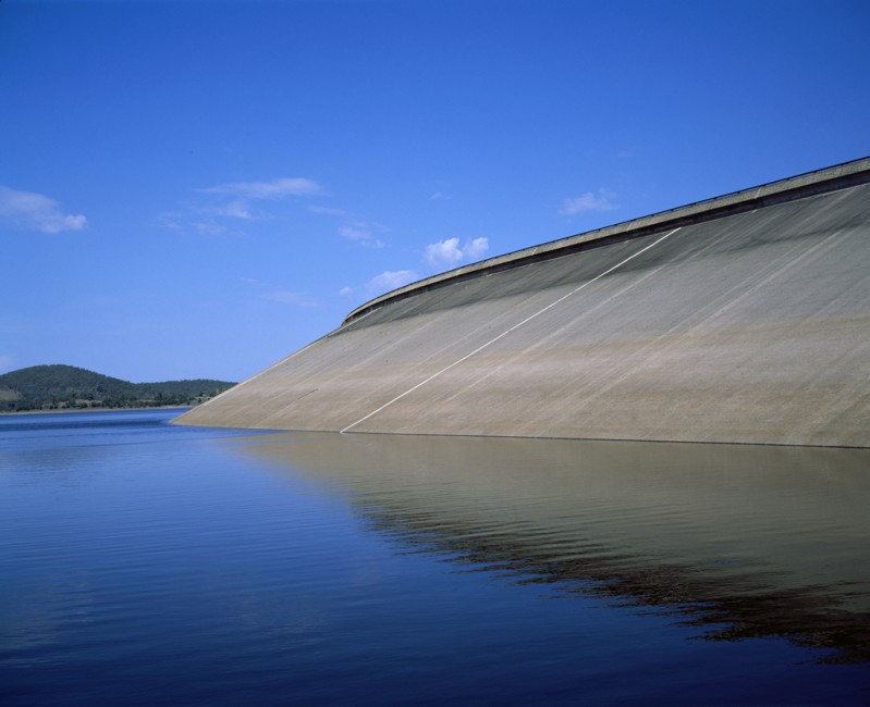 Philip Jessup, </span><span><em>Sugarloaf Reservoir Drought, Melbourne</em>, </span><span>2010