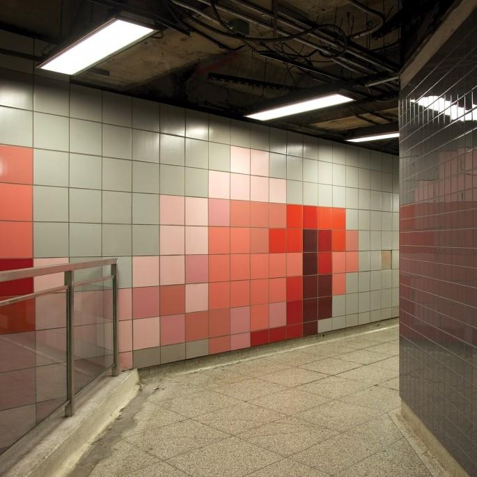 Chris Shepherd, </span><span><em>Dufferin Station Mezzanine Hallway Tiles Toronto</em>, </span><span>2014 Courtesy of Bau-Xi Photo