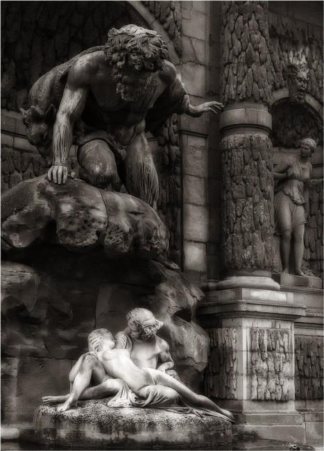 John Wallace, </span><span><em>Enchanted Fountain</em>, </span><span>2012