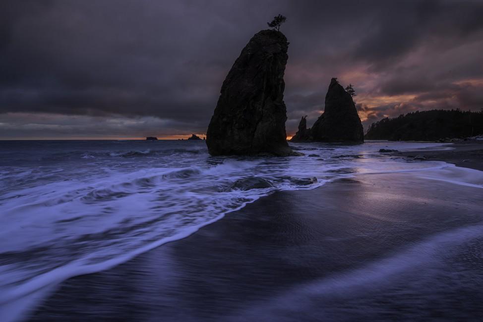 Chris Hominuk, </span><span><em>Rialto Sunset</em>, </span><span>2013