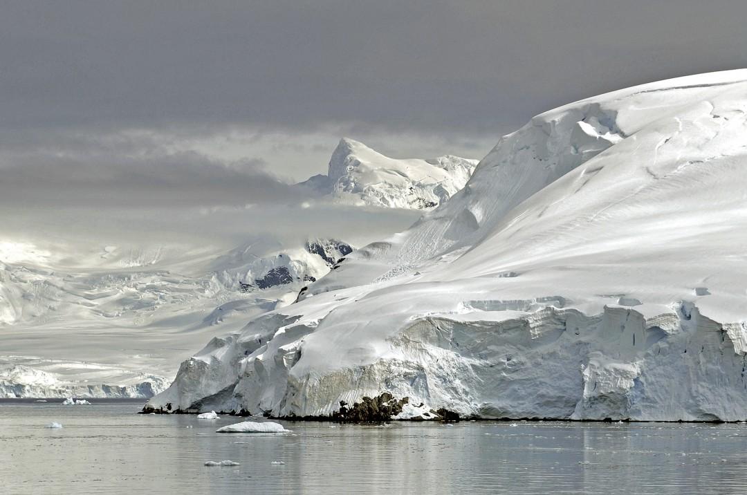 Arnold Zageris, </span><span><em>Antarctica 1</em>, </span><span>2011