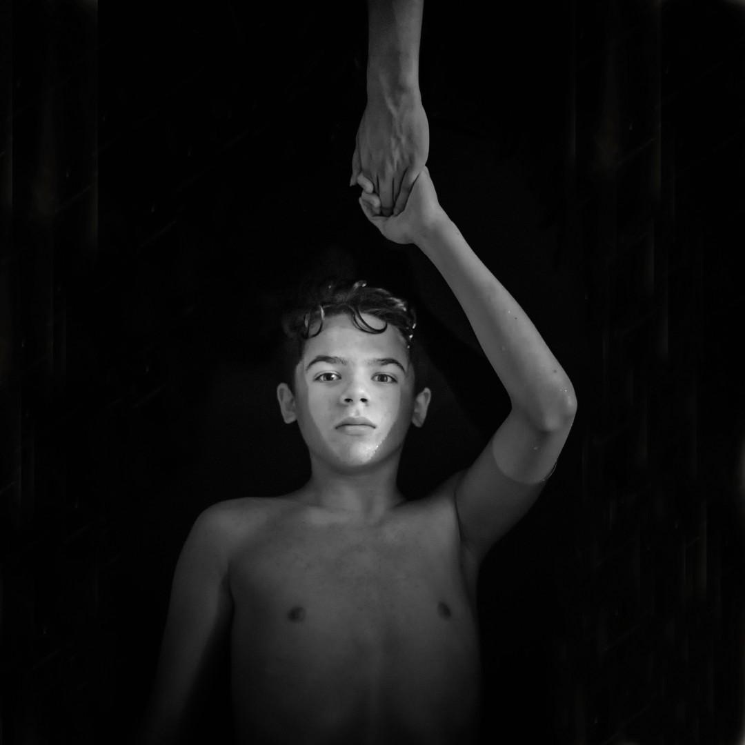 Lora Moore-Kakaletris, 2016, Take my Hand