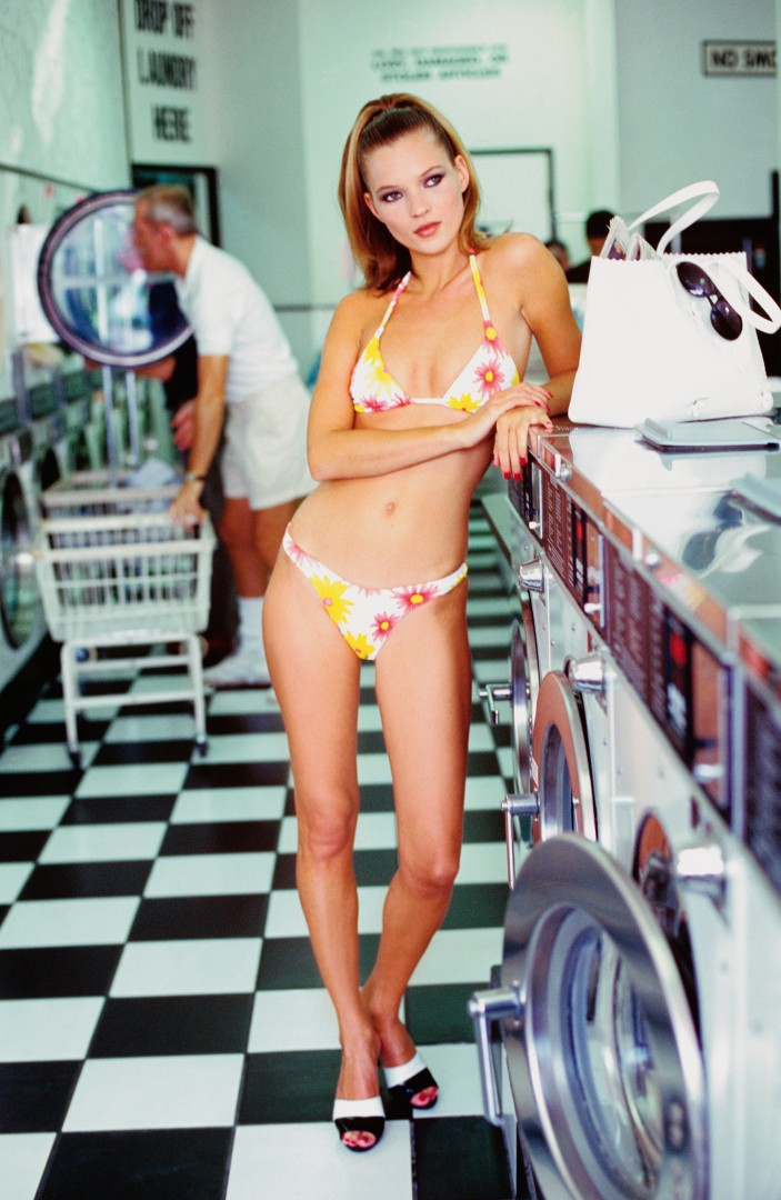 Arthur Elgort, VOGUE Archive Collection, Kate at the Laundrette, 1995