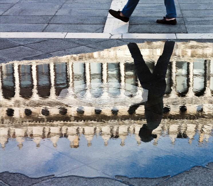 B Dass, </span><span><em>Venice Reflection</em>, </span><span>2015