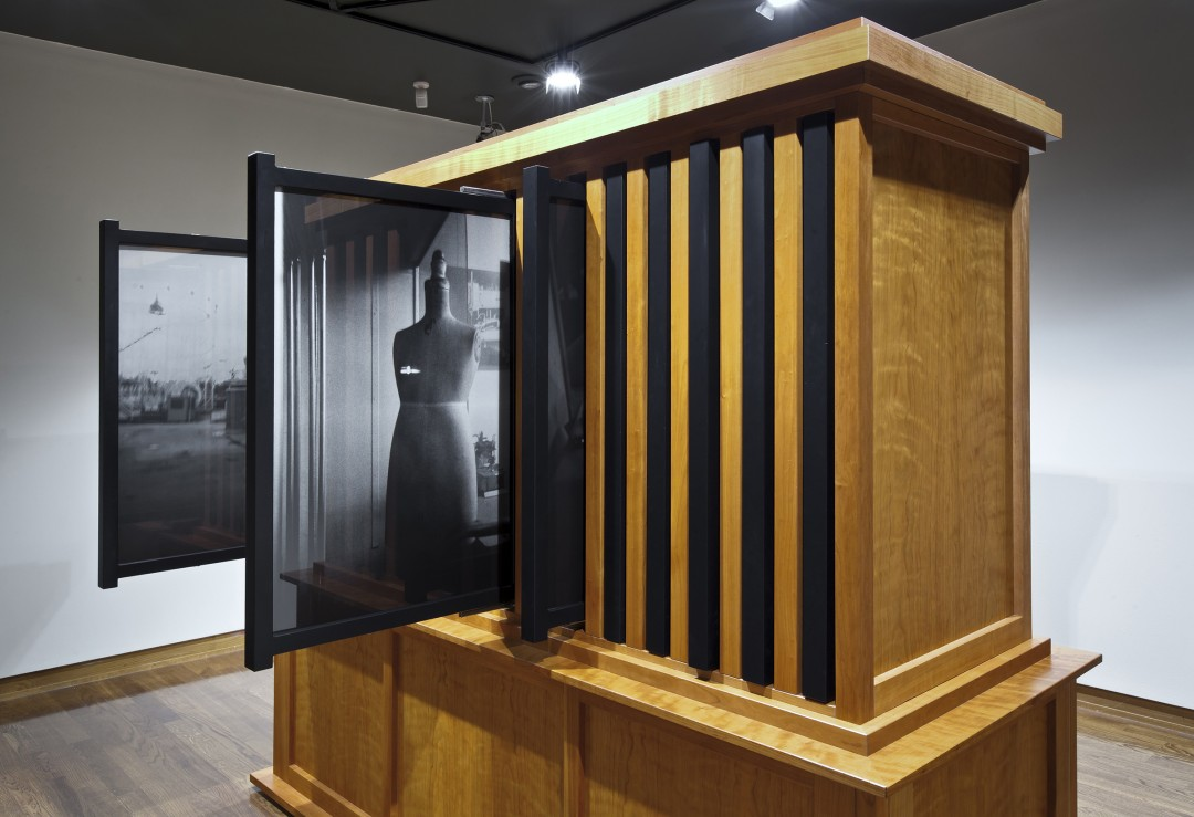 Angela Grauerholz, Sententia I - LXII, (detail), 1998. 62 gelatin silver prints framed in a wood cabinet. © Toni Hafkenscheid.  Courtesy of the artist, Art 45, Montreal and Olga Koper Gallery, Toronto.