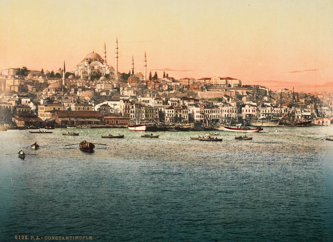Photoglob Zurich, Golden Horn and Suleymaniye Mosque, c. 1890. Photochrom print from the presentation album Constantinople.