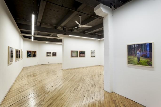 Installation view of Guillaume Simoneau, </span><span><em>Love and War</em>, </span><span>Photo: Toni Hafkenscheid