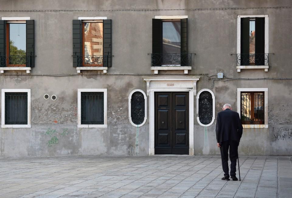 Tara Wilkinson, </span><span><em>In the Light of Loneliness (Venice, Italy)</em>, </span><span>2015