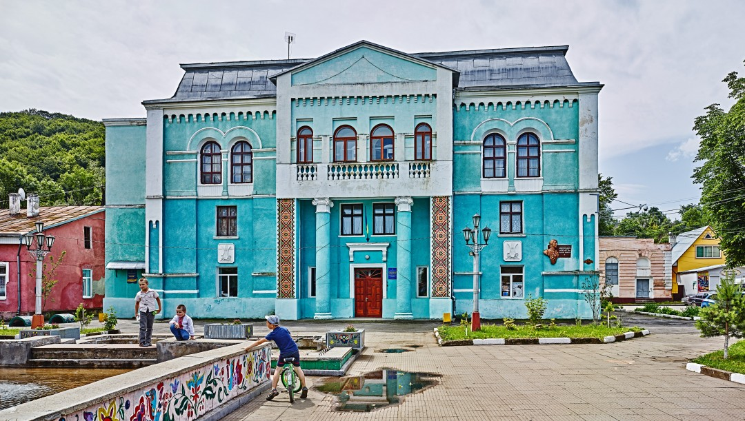 David Kaufman, The Vyzhntisya Cultural Centre, formerly the town's largest synagogue, Ukraine, 2016