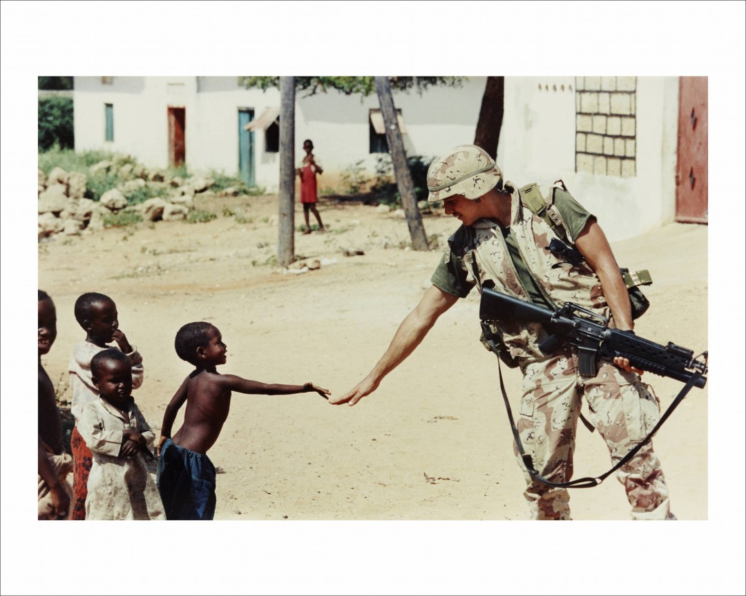 Dan Eldon, Untitled (A US soldier and a Somali boy), 1992