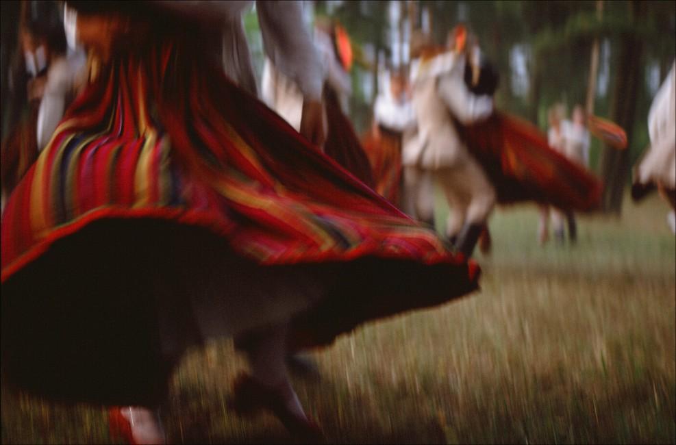 Jeff Powis, </span><span><em>Lithuanian Dance</em>, </span><span>1992