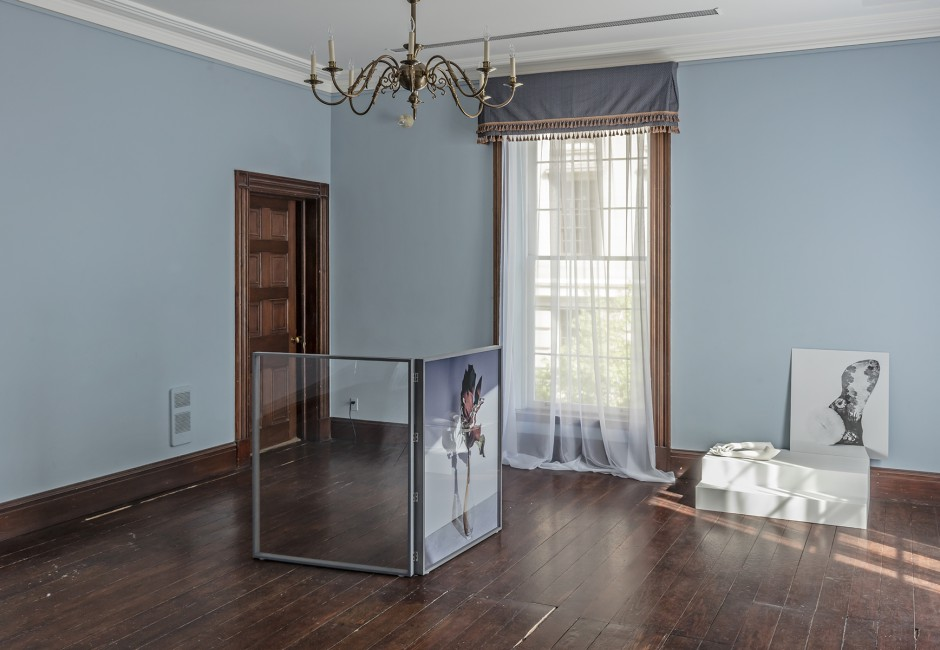 Installation view of Celia Perrin Sidarous, </span><span><em>a shape to your shadow</em>, </span><span>photo by Toni Hafkenscheid.