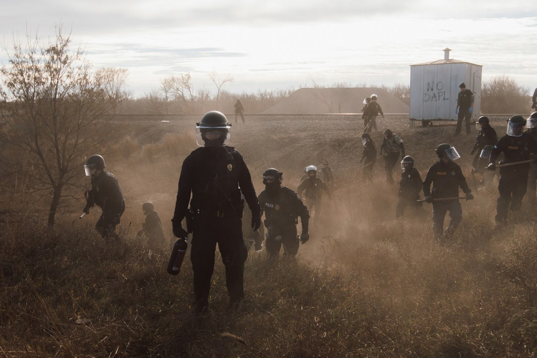 Amber Bracken, </span><span><em>Morton County Sheriffs, Dakota Access Pipeline</em>, </span><span>2016