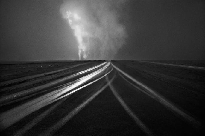 Sebastião Salgado, </span><span><em>Untitled, Kuwait</em>