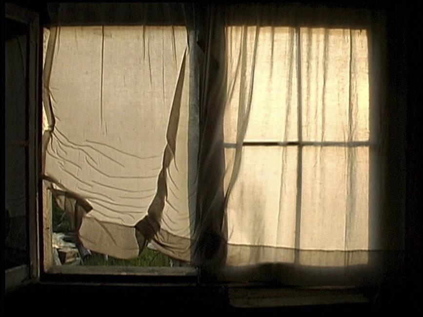 Michael Snow, </span><span><em>Solar Breath (Northern Caryatids)</em>, </span><span>2002. Video still, 62 mins. Courtesy of the artist.