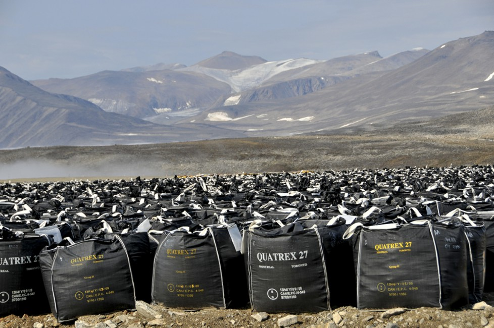 Margo Pfeiff, </span><span><em>Contaminated soil bags at Lower Base, Cape Dyer</em>, </span><span>2013. © Margo Pfeiff