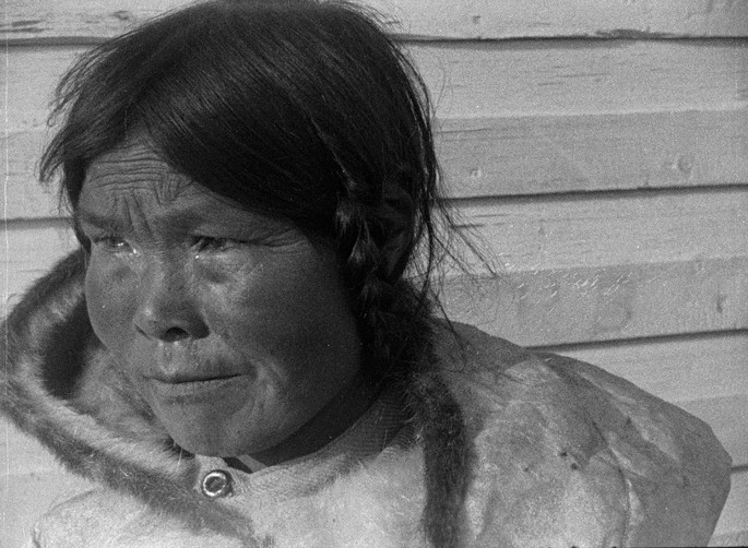NFB Archives, </span><span><em>Arctic Expedition</em>, </span><span>1923. Film still from Jeff Barnaby's Etlinisigu'niet (Bleed Down), from the series Souvenir, 2015. © National Film Board of Canada.