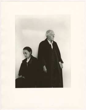 Arnold Newman, </span><span><em>Alfred Stieglitz and Georgia O'Keeffe</em>, </span><span>17/04/1944. Gelatin silver print, 35.6 x 27.9 cm. Art Gallery of Ontario. Anonymous Gift, 2012. © Arnold Newman Properties/Getty Images 2017