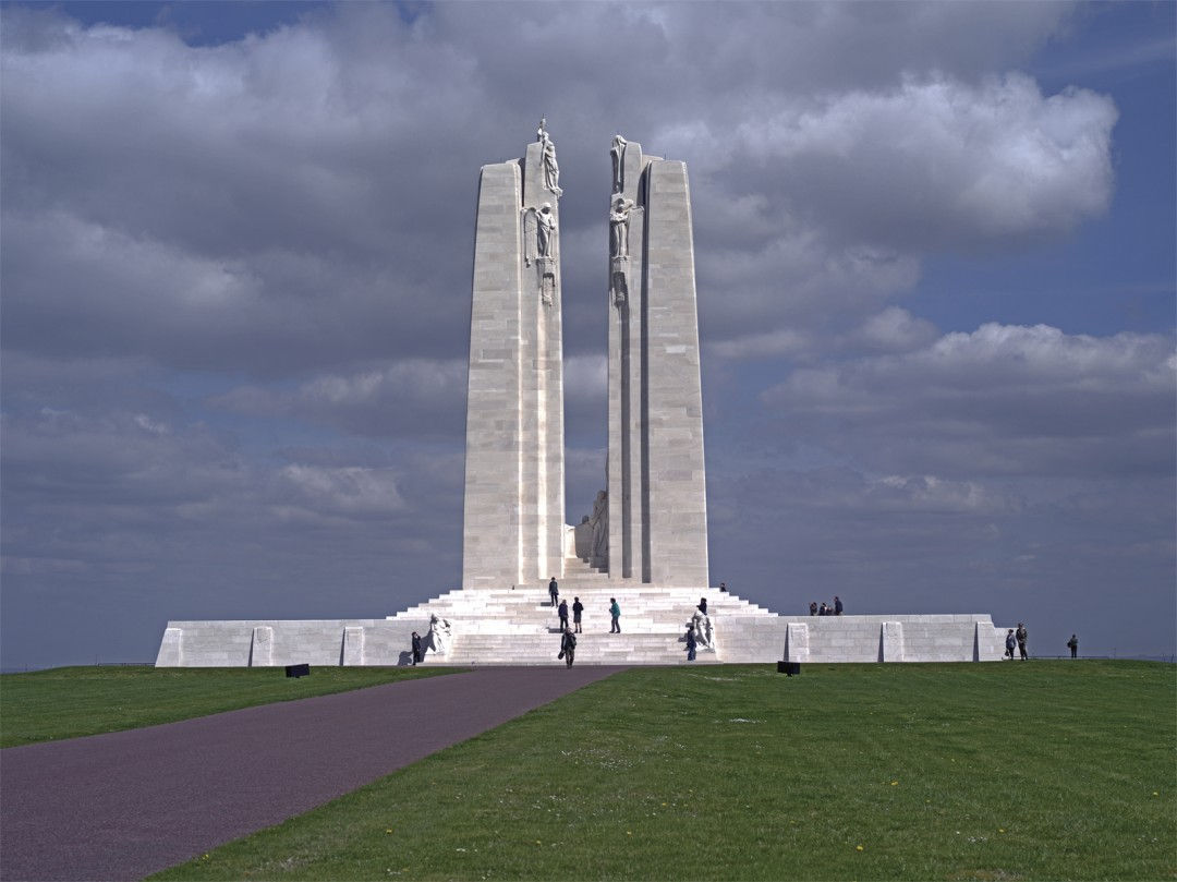 Shelley Niro, Monument at Vimy Ridge, 2015.