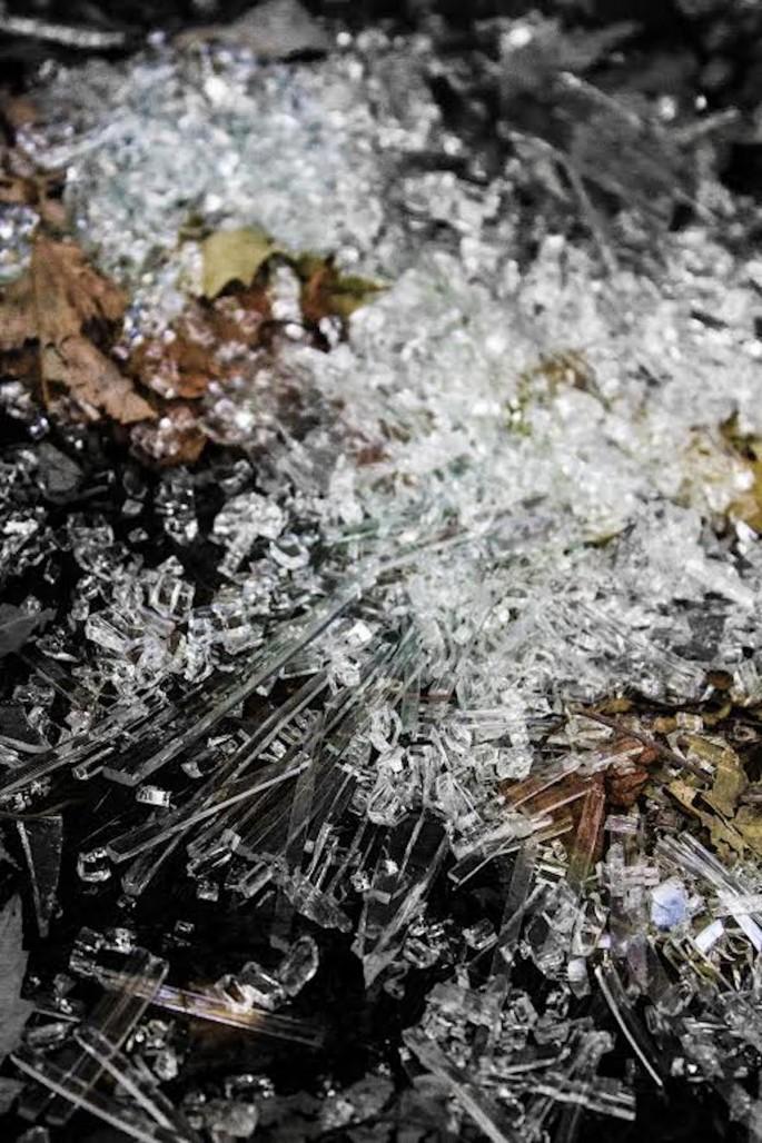 Julian Lynn, </span><span><em>Glass Ice</em>, </span><span>2017