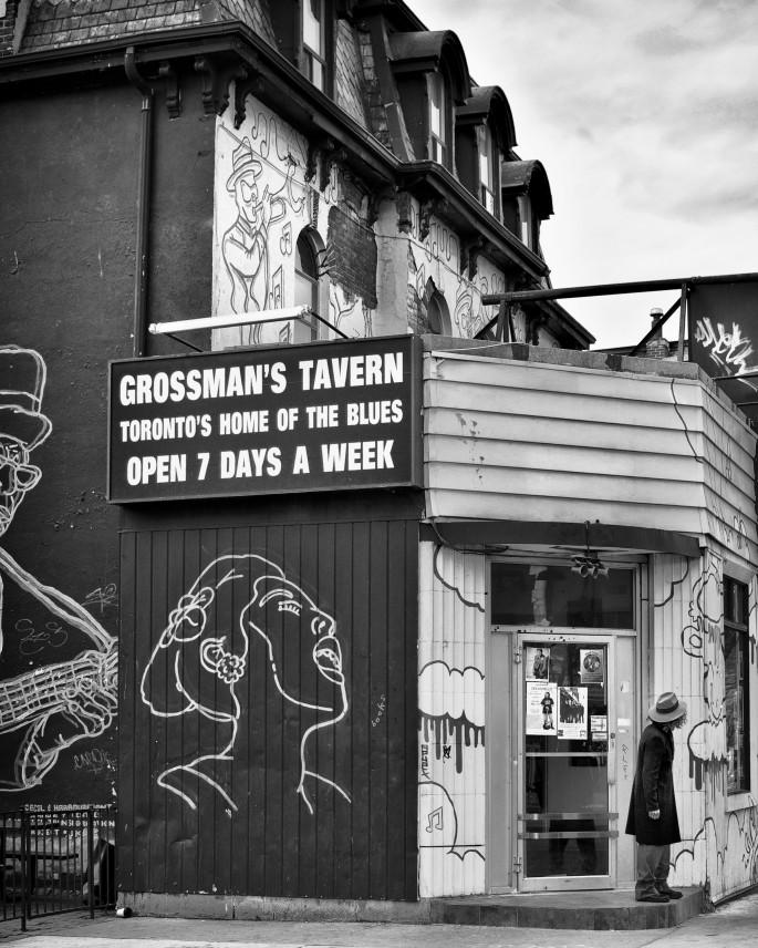 Roberto Riveros, </span><span><em>Grossman's Tavern</em>, </span><span>2011