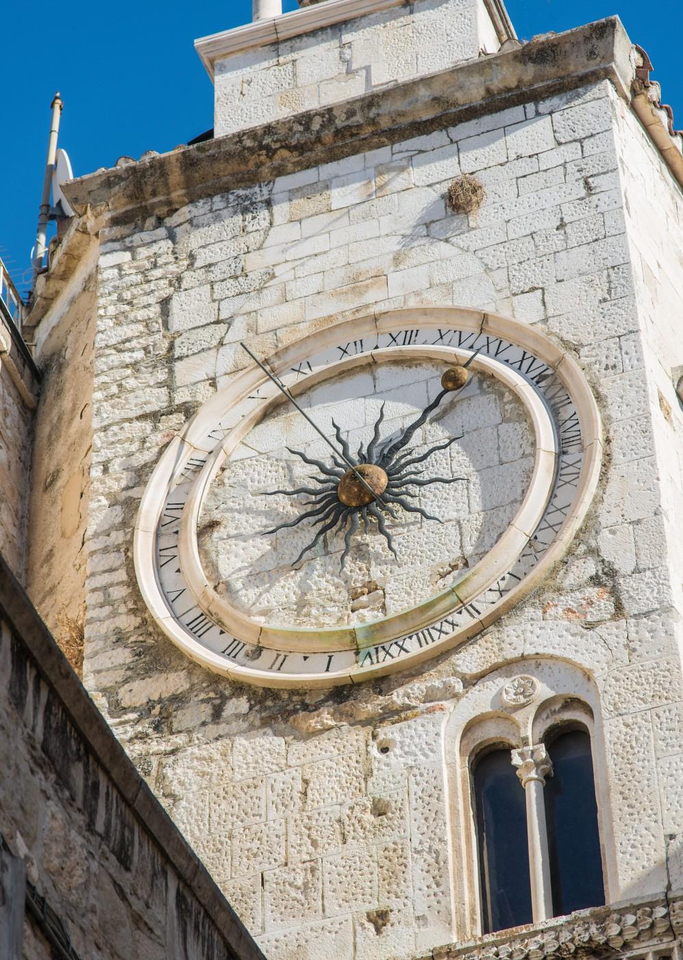 John Drajewicz, </span><span><em>Slip Town Clock</em>, </span><span>2017