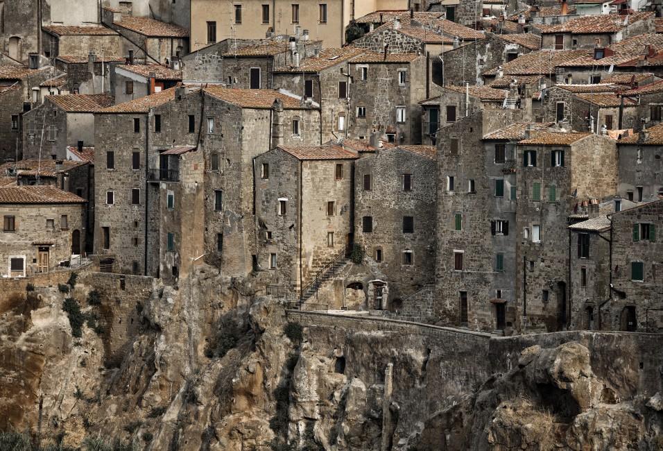 <em>Stone Houses-Pitigliano- Dieter Hessel</em>