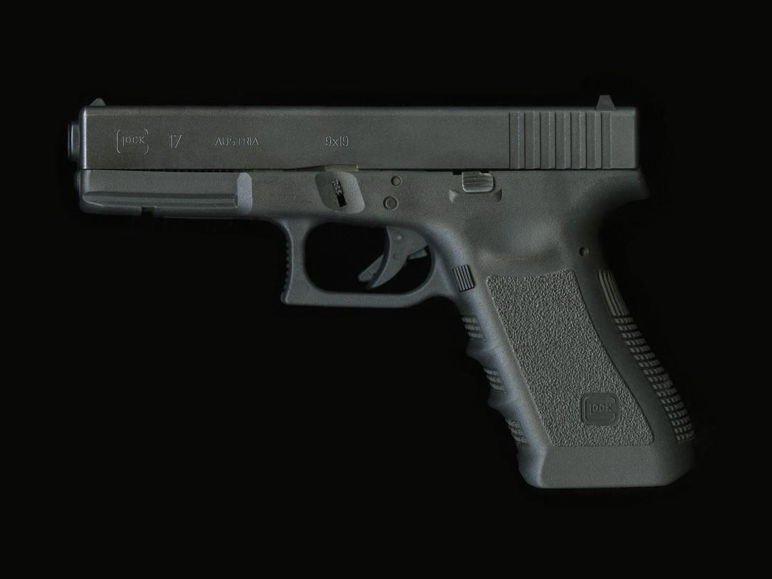 Richard Robesco, Glock 17