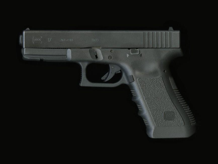 Richard Robesco, </span><span><em>Glock 17</em>