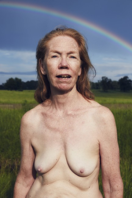 Charlie Engman, </span><span><em>Mom with Rainbow</em>, </span><span>2016. Courtesy of the artist.