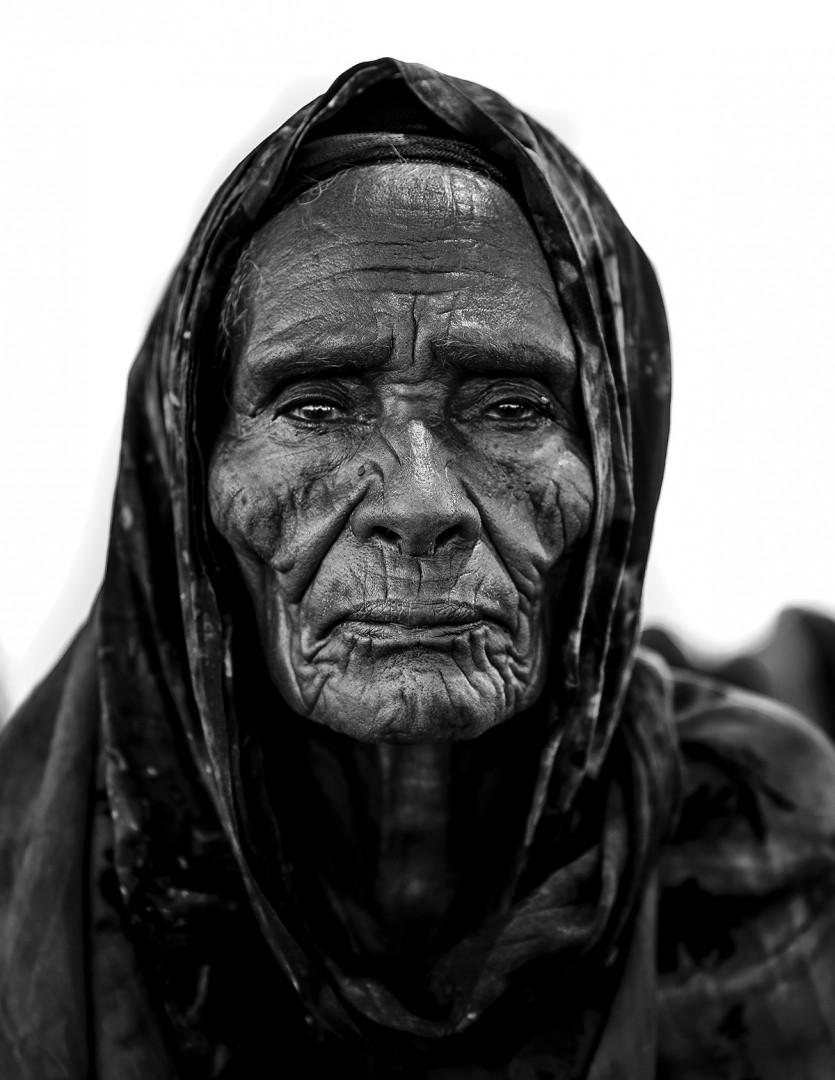 Yasin Osman, Ayeeyo, 2017. Archival pigment print, 24x32.