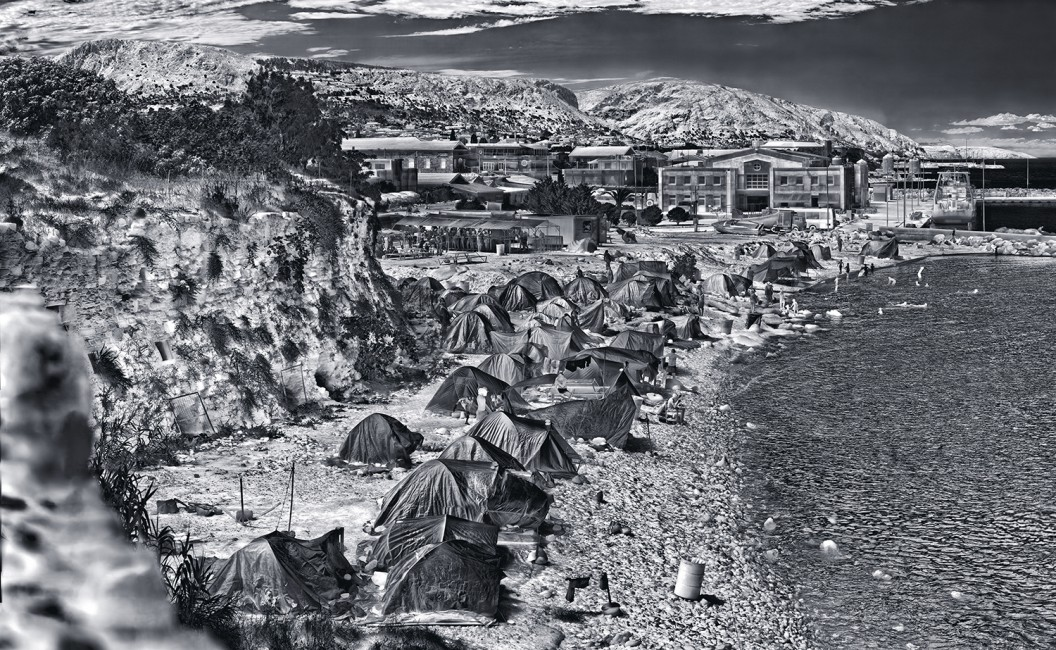 Richard Mosse, </span><span><em>Souda Camp, Chios Island</em>, </span><span>2017. © Richard Mosse. Courtesy of the artist and Jack Shainman Gallery, New York