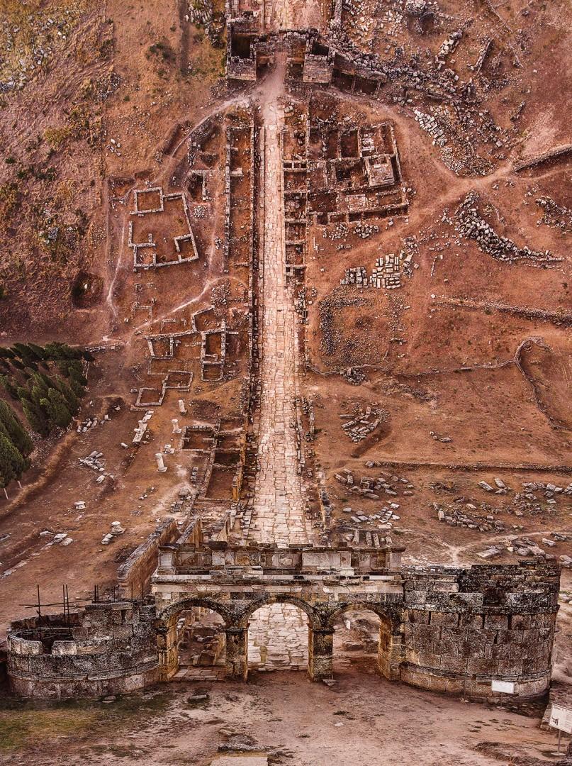 Aydin Büyüktas, Hierapolis Necrapol, 2017. Chromogenic print, 47 × 63.