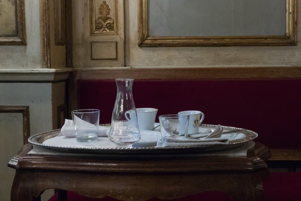 Angela Grauerholz, </span><span><em>Venice Café</em>, </span><span>2017. Archival pigment print, 40 × 60&quot;