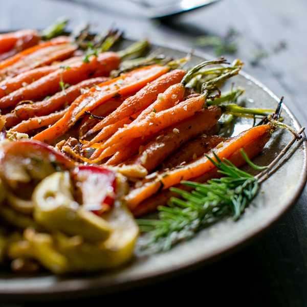 Maple-Roasted Cardamom-Spiced Carrots and Apples