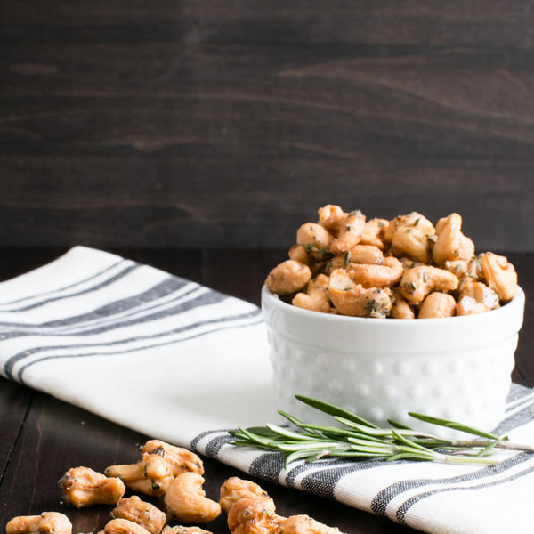 Sweet and Spicy Maple-Roasted Rosemary Cashews