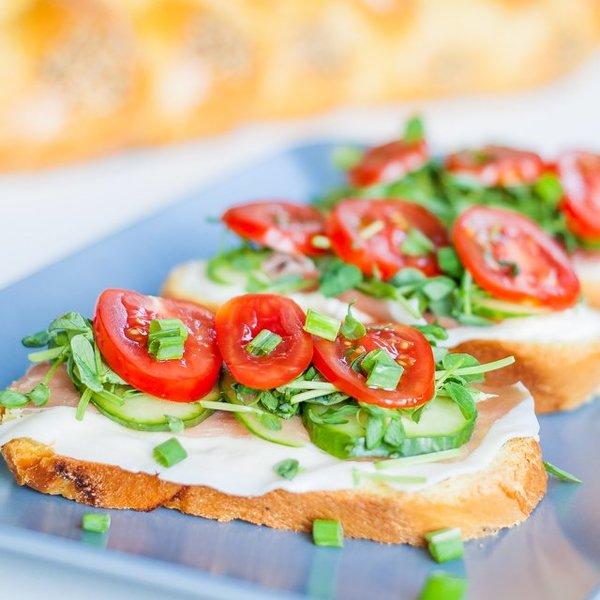 Prosciutto and Veggie Sandwiches