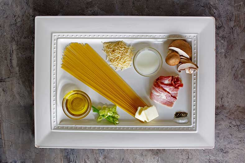 Ingredients for you to recreate the Olive Garden Spaghetti Carbonara at home.
