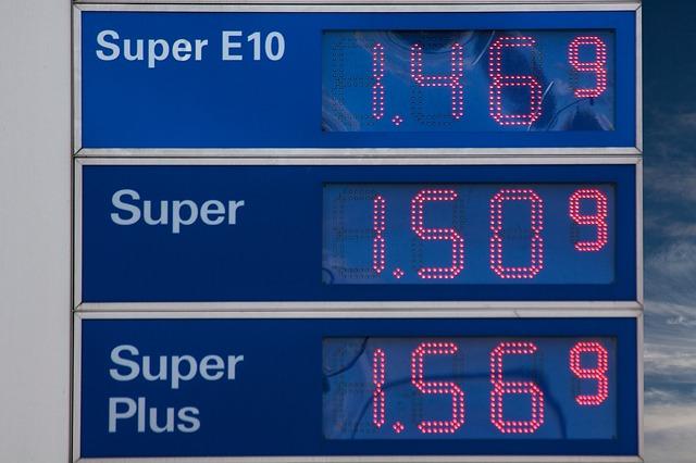 gasoline-prices-206098_640