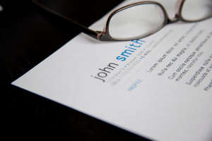 Resume under a pair of glasses