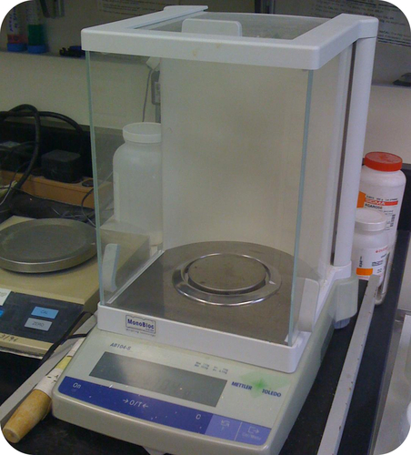 An analytical scale is used to determine the mass of a chemical